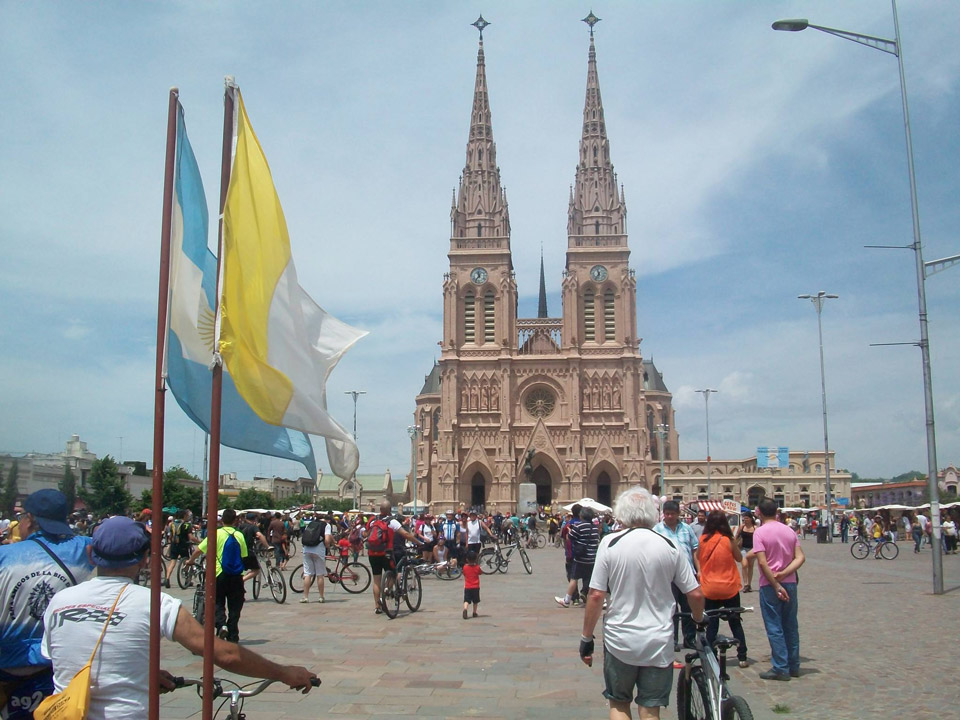 22-peregrinacion-a-lujan-en-bicicleta-desde-haedob