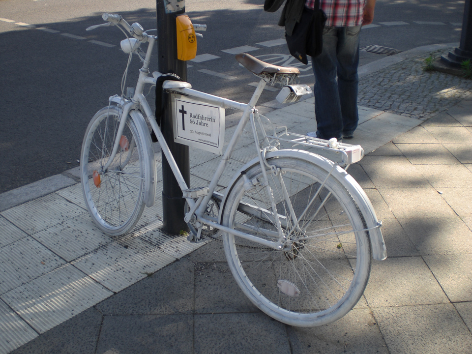 _Berlin-ghostbike_-by-Bukk---Own-work.-Licensed-under-Public-Domain-via-Wikimedia-Commons---https-__commons.wikimedia.org_wiki_File-Berlin_ghostbikeb