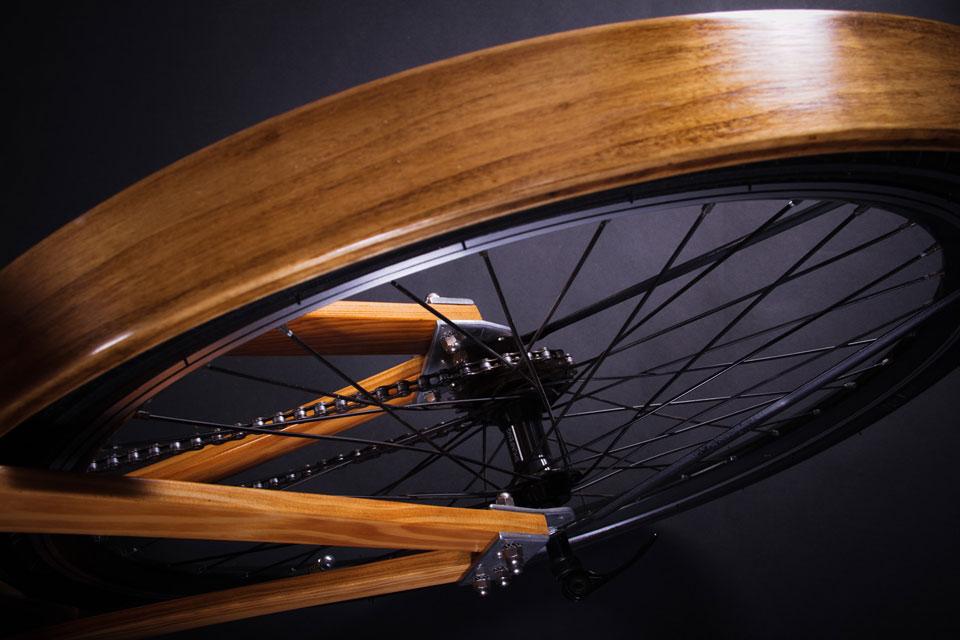 Bicicleta-de-madera-Flocco---foto-Julian-Carrara