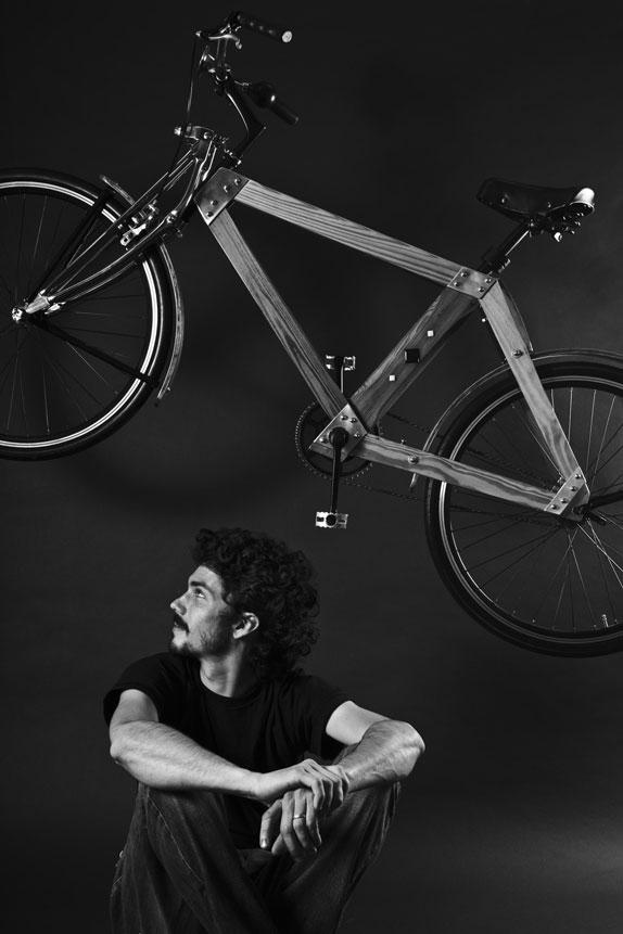 Bicicleta--madera-Flocco--foto-Julian-Carrara