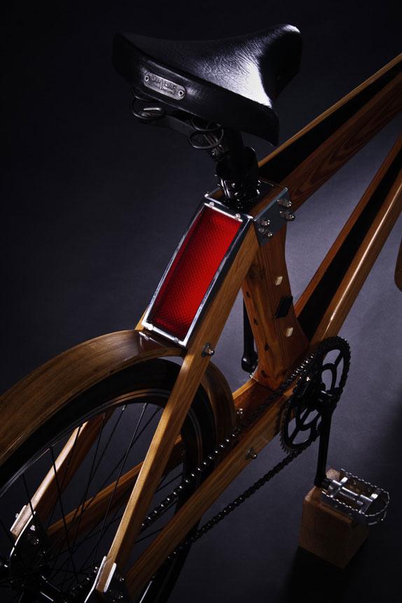 detalles--bici-madera--foto-Julian-Carrara